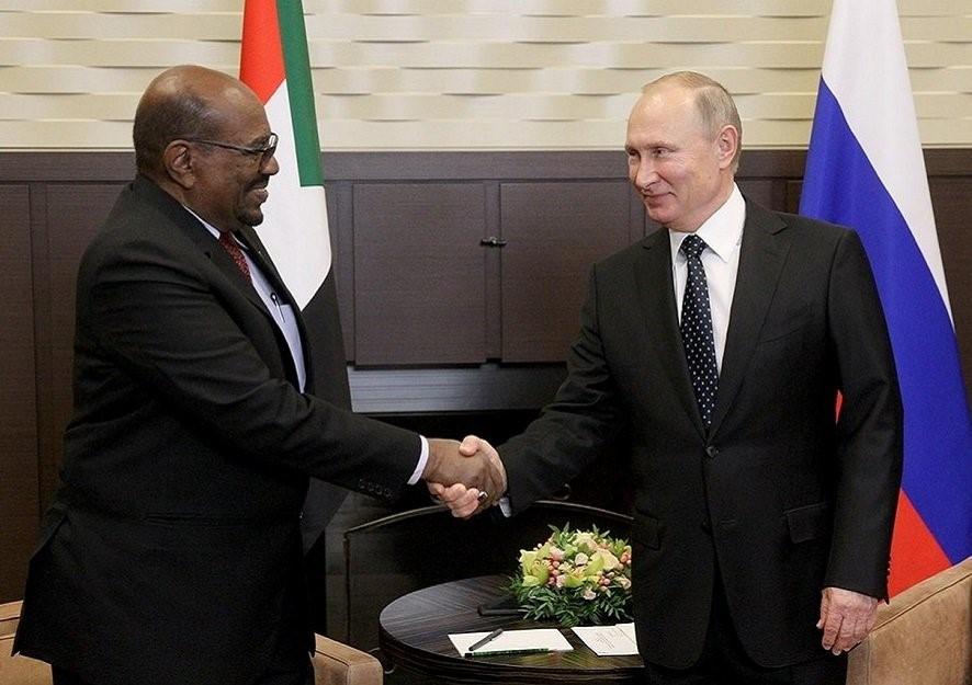 Omar al-Bashir, presidente do Sudão, durante sua visita a Moscou em novembro de 2017.