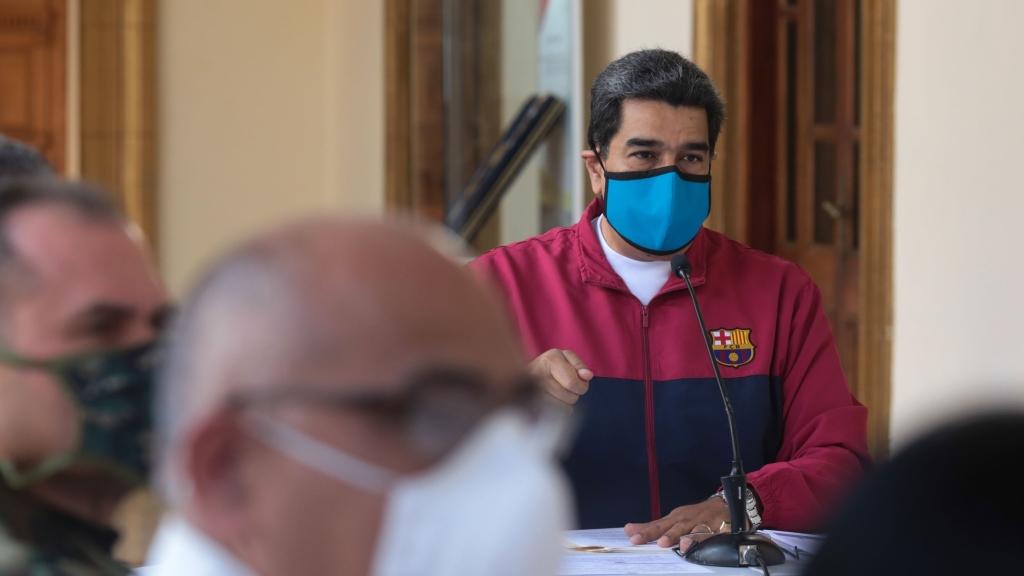 O presidente Nicolás Maduro durante comunicado televisionado sobre a pandemia do novo coronavírus, no Palácio de Miraflores em Caracas, no dia 22 de março de 2020. Via Presidencia Venezuelana/AFP.