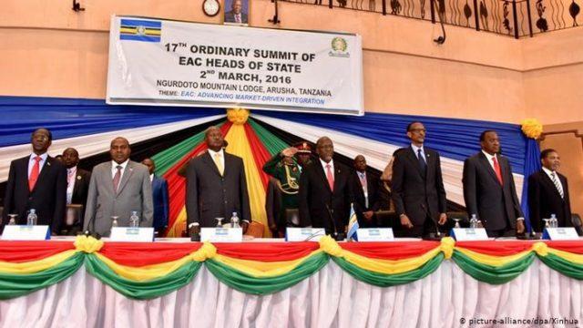 A Comunidade Africana Oriental (EAC, em inglês) é formada por Quênia, Uganda, Tanzânia, Burundi, Ruanda e Sudão do Sul. Com mais de 170 milhões de cidadãos, um território combinado de 2,5 milhões de km² e um PIB combinado de US$ 193 bilhões (se consolidando como uma das 10 maiores economias do mundo).