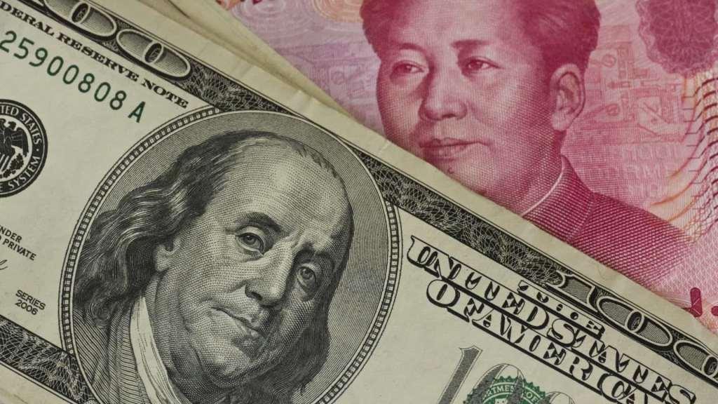 Dólar estunidense e o yuan chinês, as moedas que atualmente disputam a hegemonia mundial. Via ft.com