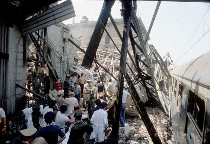 A estação de Bolonha após o atentado. Foto via El Itañol.