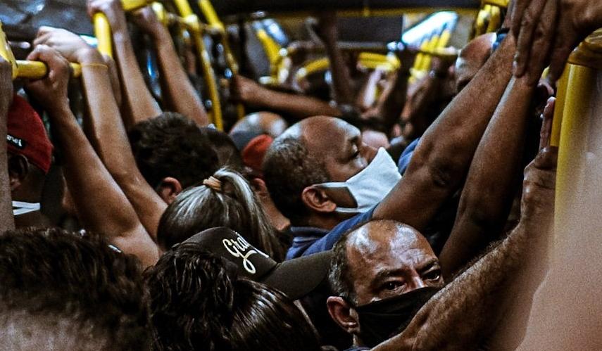 Tragicamente, dezenas de milhares de brasileiros serão moídos, novamente, para manutenção dos lucros dos grandes empresários e banqueiros. Foto por Yuri Carpenter.