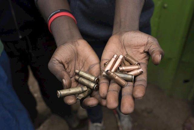 Munição de armamentos pesados utilizados pelos EIGS. Foto via Europa Press.