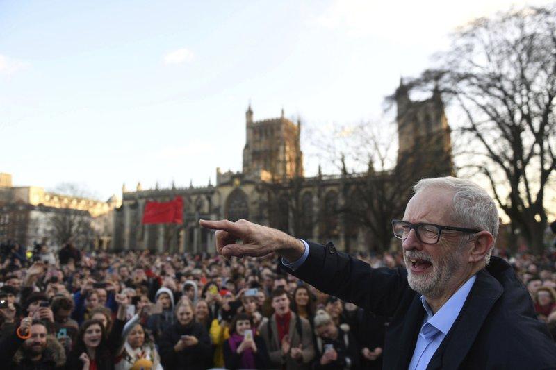 O ex-líder do Partido Trabalhista Britânico, Jeremy Corbyn, discursando durante um comício em Bristol, Inglaterra, no dia 9 de dezembro de 2019. Foto por Joe Giddens.